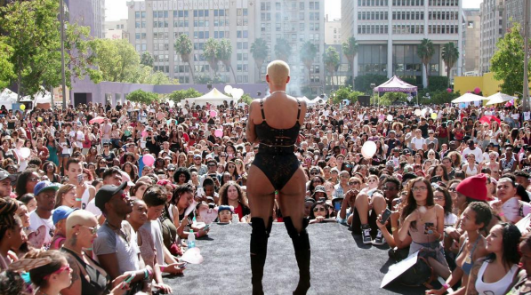 amber-rose-slutwalk-2-597x332